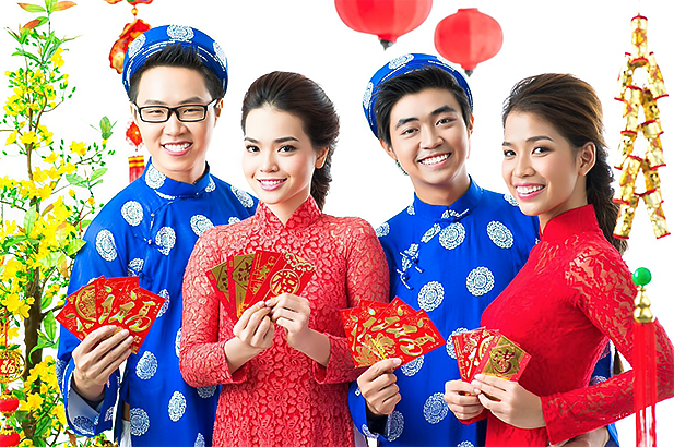 Li xi, or lucky money, is given in red envelopes. Photo credit: Intead
